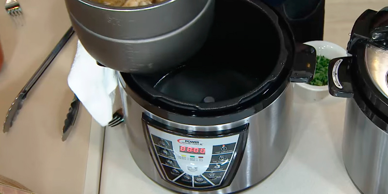 Power Pressure Cooker XL PPC 6 Quart Pressure Cooker in the use