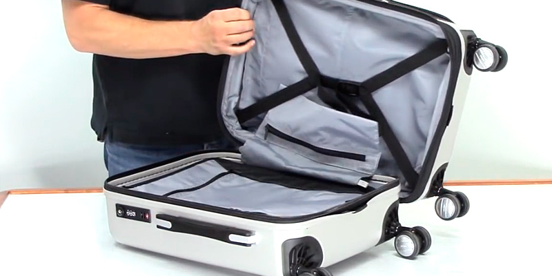 Review of Delsey Helium Aero 19 Hard Case Spinner Suitcase