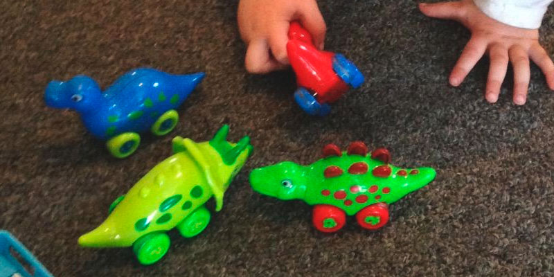 Review of 3 Bees and Me Dinosaur Toys for Boys and Girls Toddlers