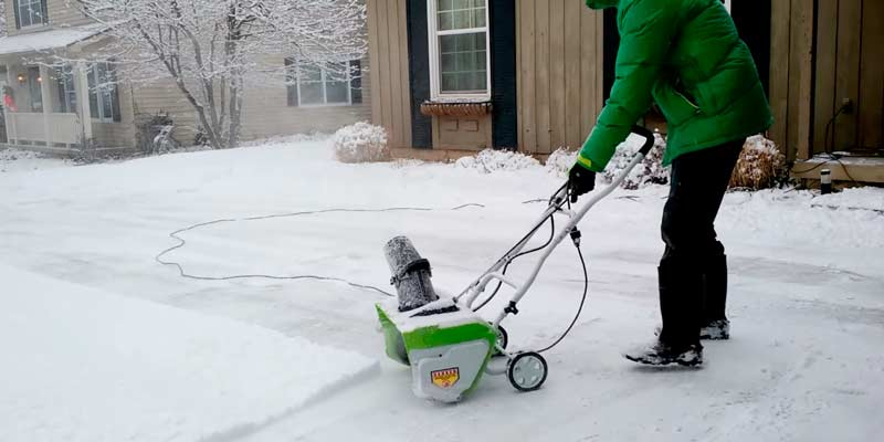 GreenWorks 2600202 Corded Snow Thrower With Light Kit application