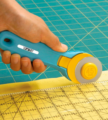 Review of Olfa RTY-2/C Rotary Cutter
