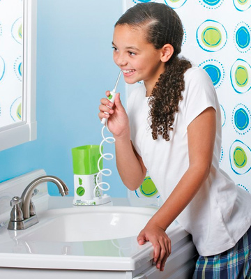 Review of Waterpik For Kids (WP-260) Water Flosser