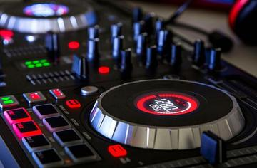 Best DJ Controllers to Groove