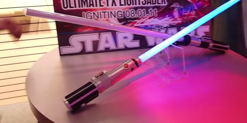 Hasbro Luke Skywalker FX Lightsaber in the use