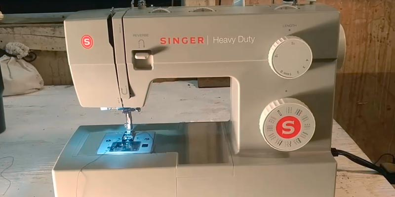 SINGER 4452 Heavy Duty Sewing Machine in the use