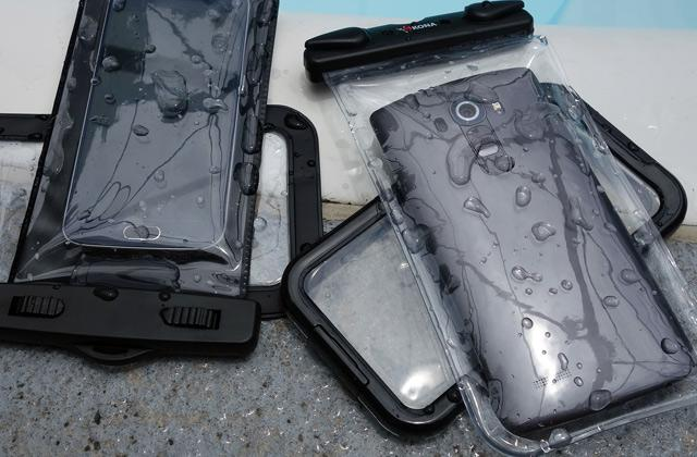 Best Waterproof Cases for Smartphones and iPhones