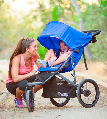 Review of Joovy 8060 Zoom 360 Ultralight Jogging Stroller