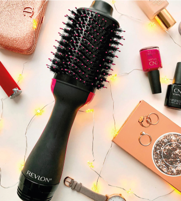 Review of Revlon One-Step Hair Dryer And Volumizer Hot Air Brush