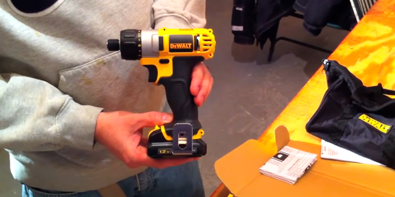 Review of DEWALT DCF610S2 Screwdriver Kit