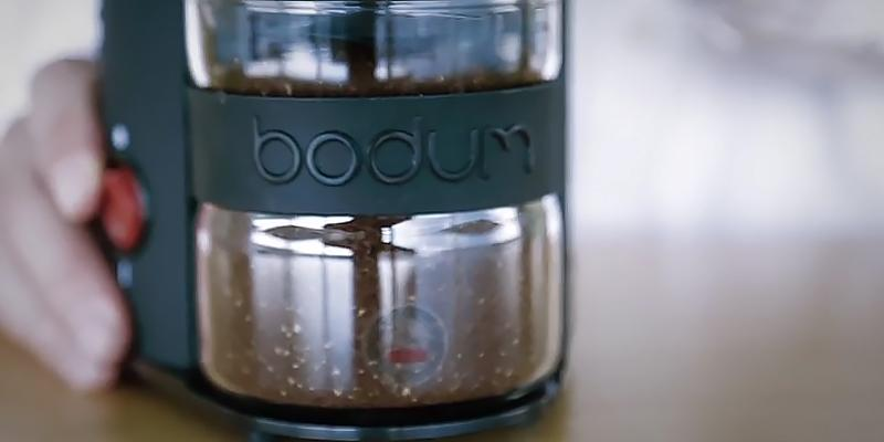 BODUM Bistro Electric Electronic Coffee Grinder with Continuously Adjustable Grind in the use