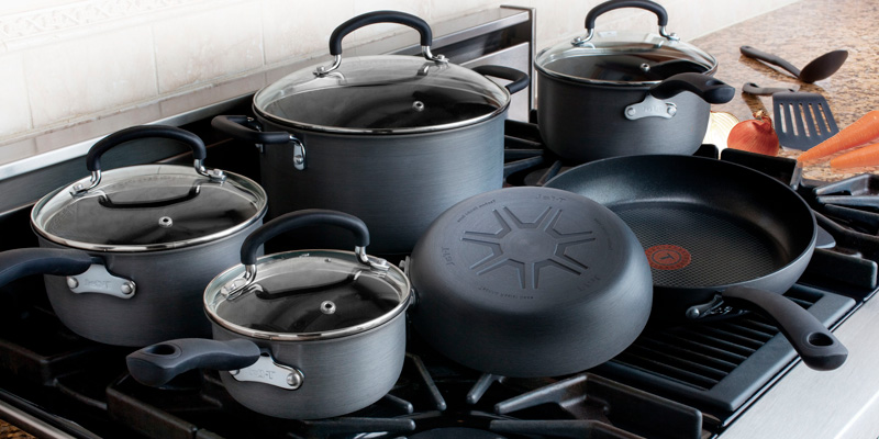 Review of T-fal E765SC Titanium Nonstick 12 Piece Cookware Set