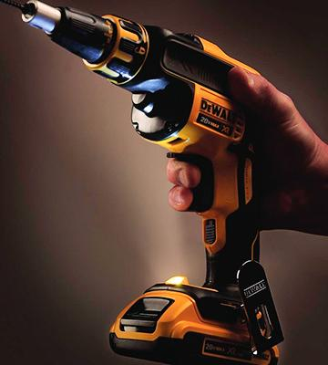 Review of DEWALT DCF620D2 Brushless Drywall ScrewGun