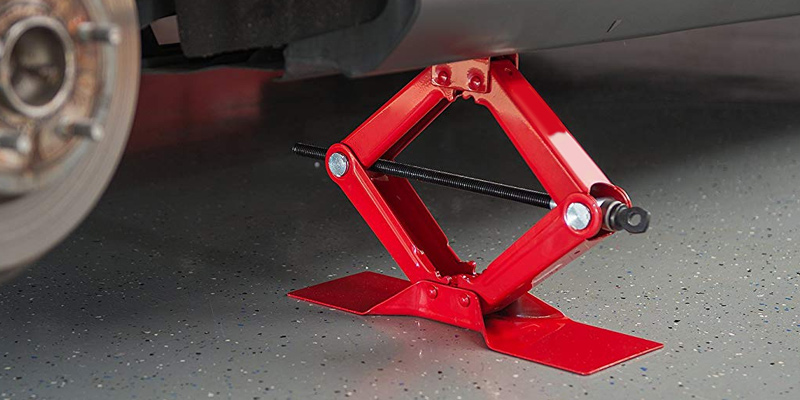 Torin Jack T10152 Big Red Steel Scissor Jack (1.5 Ton Capacity) in the use
