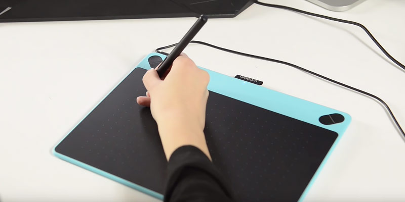 Wacom CTL490DW Digital Drawing and Graphics Tablet in the use