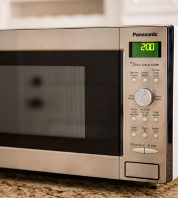 Review of Panasonic NN-SD745S Countertop/Built-In Microwave Oven with Inverter Technology