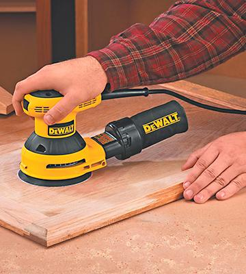 Review of DEWALT D26453K Random Orbit Sander Kit with Cloth Dust Bag
