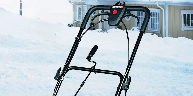 WORX WG650 Electric Snow Thrower in the use