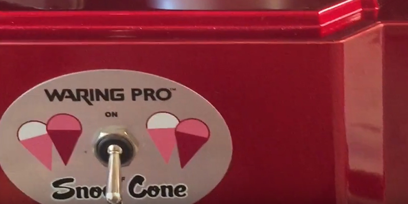 Waring Pro SCM100 Snow Cone Maker in the use
