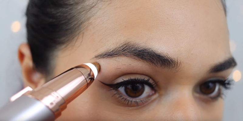 Review of Finishing Touch FTFLPBMO Flawless Brows Eyebrow Hair Remover