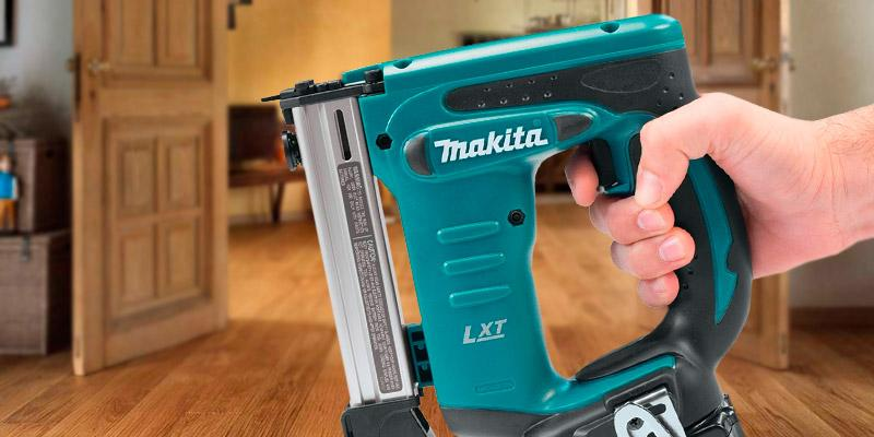 Review of Makita XTS01Z 18V LXT Crown Stapler