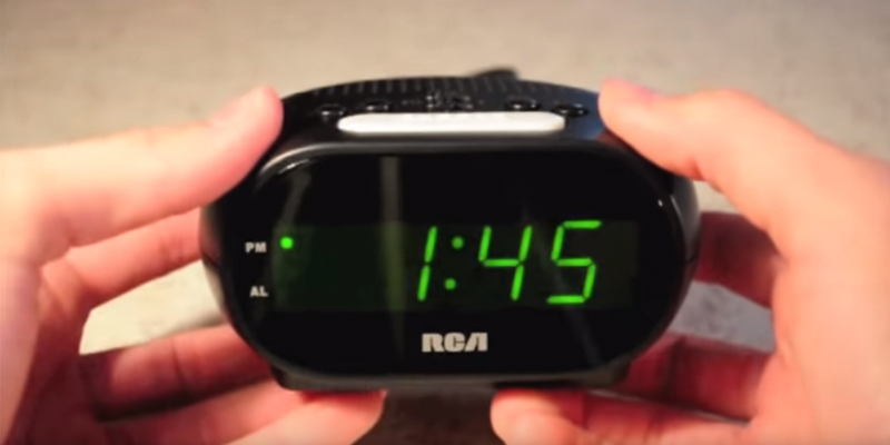 Review of RCA RCD20 Digital Alarm Clock with Night Light