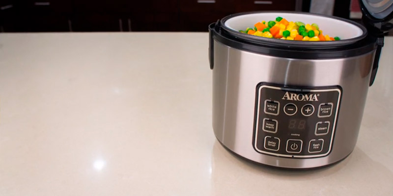 Aroma Housewares ARC-914SBD Digital Rice Cooker in the use