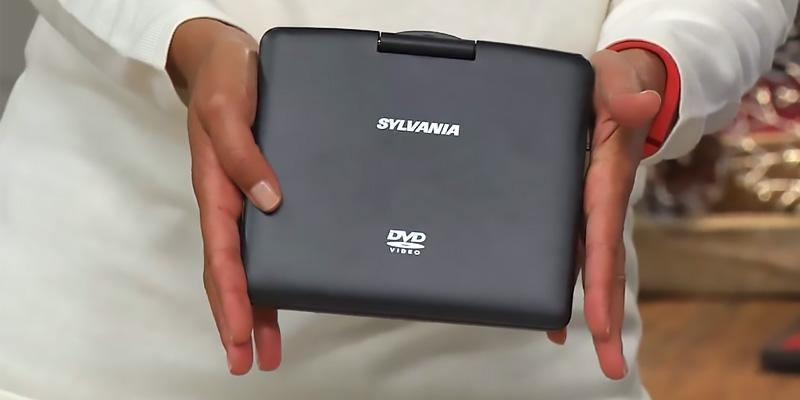 Review of Sylvania SDVD9020B-Blue Swivel Screen Portable