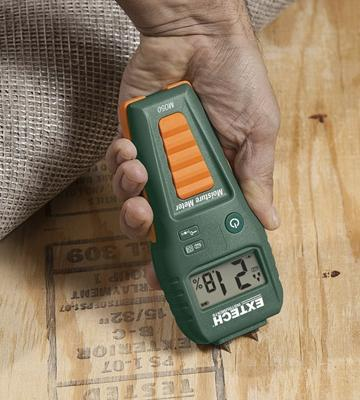 Review of Extech MO50 Compact Pin Moisture Meter