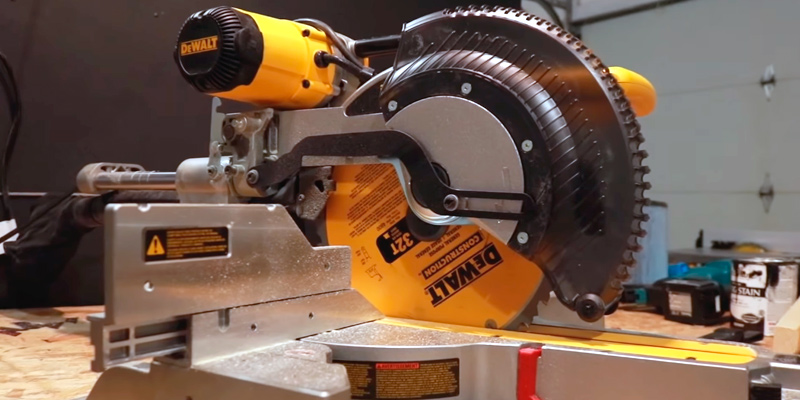 Detailed review of DEWALT DWS780 12'' Double Bevel Sliding Compound Miter Saw