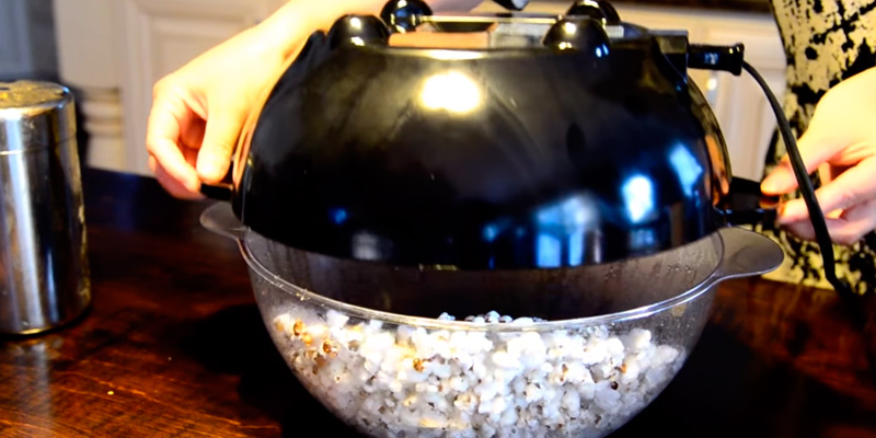 Detailed review of West Bend 82306 Stir Crazy Electric Popcorn Popper