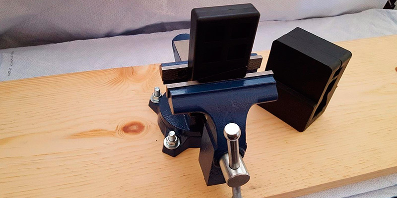 Detailed review of Yost Tools LV-4 Home Vise