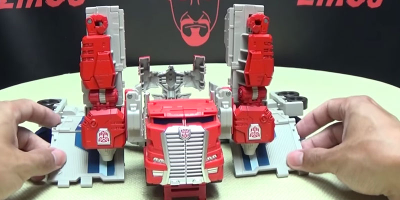 Detailed review of Optimus Prime Generations Leader Powermaster Transformer
