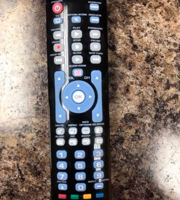 Review of RCA RCRN04GZ 4 Device Universal Remote
