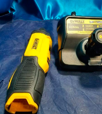 Review of DEWALT DCF682N1 Gyroscopic Inline Screwdriver