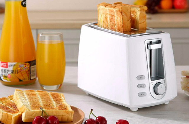 Comparison of Toasters to Start Your Mornings