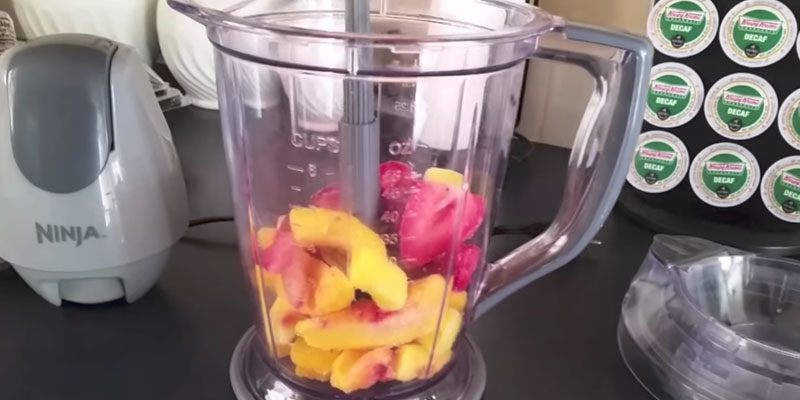 Ninja QB900B Food Processor, Smoothie Maker in the use