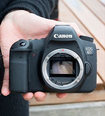 Review of Canon EOS 6D Mark II Digital SLR Camera (Body Only)