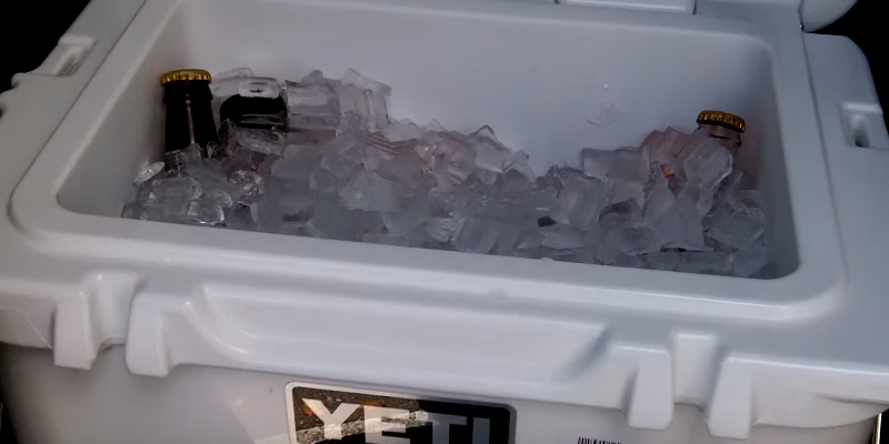 YETI Roadie 20 Cooler in the use
