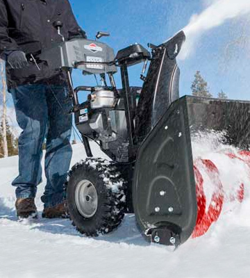 Review of Briggs and Stratton 1696619 Dual-Stage Snow Thrower