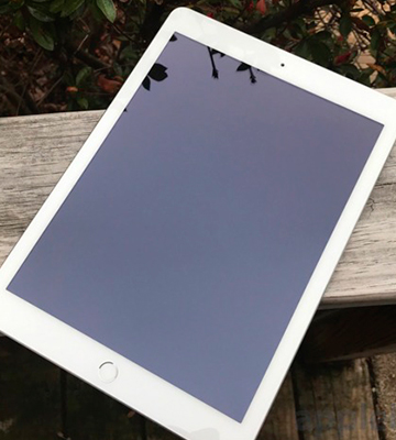 Review of Apple iPad MPGT2LL/A WiFi Tablet