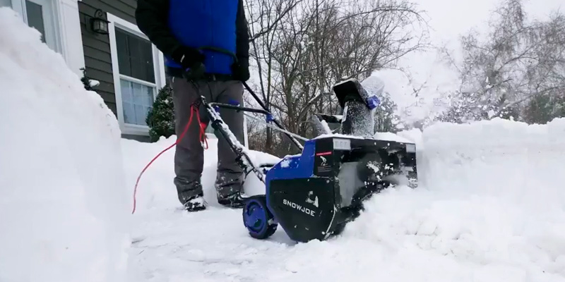 Review of Snow Joe SJ627E Electric Snow Thrower