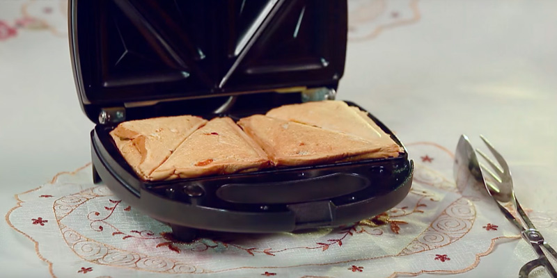 Aicok ST-08 Sandwich Maker, Waffle Maker, Sandwich Grill in the use