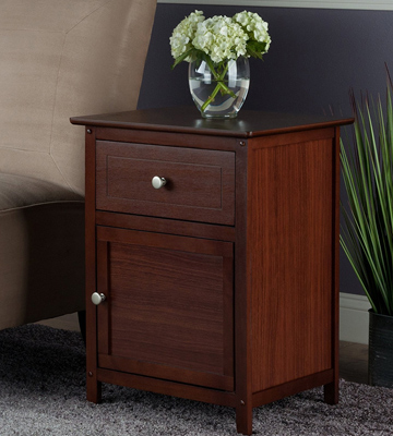 Review of Winsome Wood 92815 Beechwood End/Accent Table