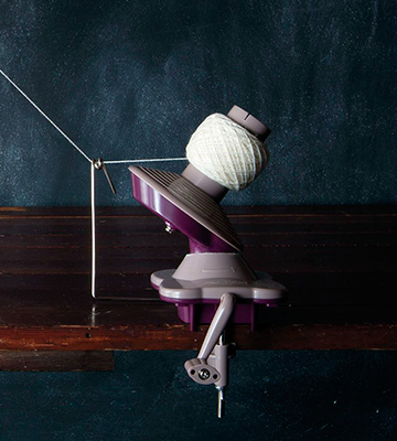 Review of KnitPicks Yarn Ball Winder