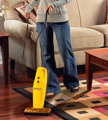 Review of Eureka 169B Lightweight Vacuum