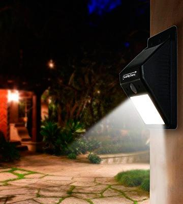 Review of Swiftly Done 610694105778 Bright Solar Power Outdoor Light