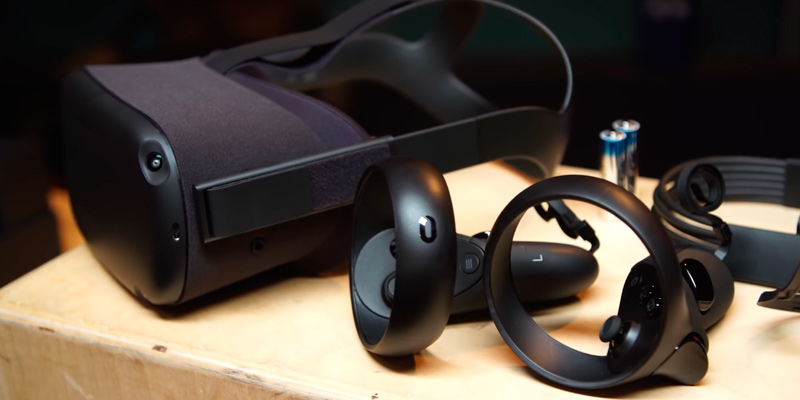 Oculus Quest All-in-one VR Gaming Headset in the use