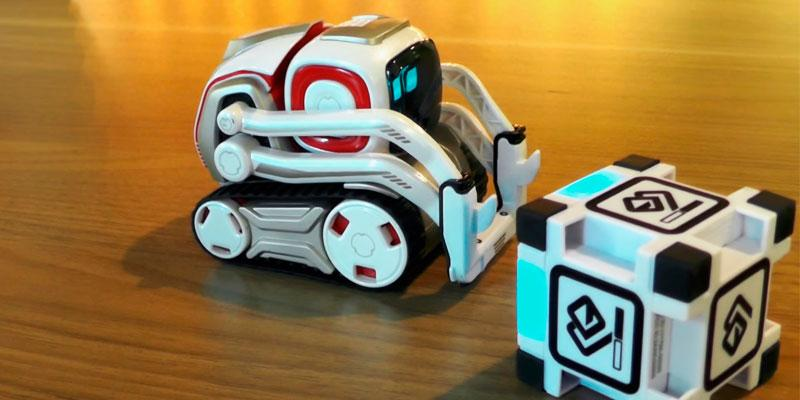 Anki Cozmo in the use