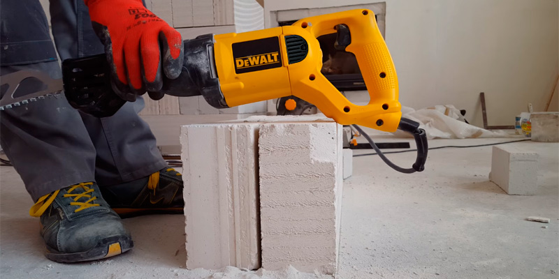 Review of DEWALT DWE304 Powerful motor