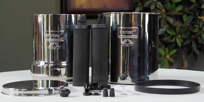 Berkey BK4X2 Countertop Water Filter System in the use